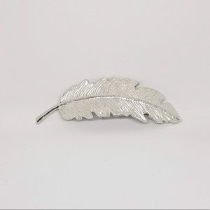 Silver feather hairpin/hair accessory